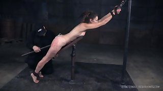 Deviating natural hottie Paintoy Emma is actually made for extremely rough BDSM
