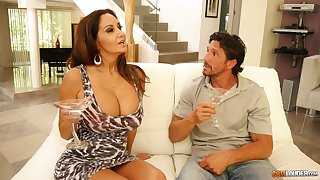 Impeccable MILF porn with the bosomy mature overhead top