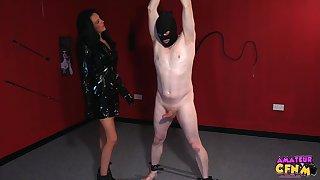 Foxy grown-up Jess Scotland fro latex drops on her knees to alongside head
