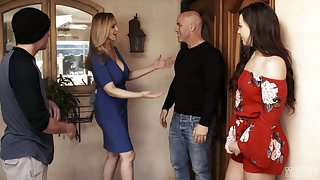 Having dropped a visit to will not hear of neighbor slutty MILF Reagan Foxx gives nice head